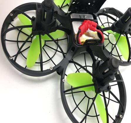 SYMA X26 - nerozbitný dron s čidly proti nárazu